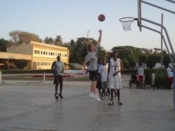 Volunteer on a Basketball placement